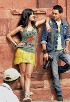 l1_Katrina_Kaif_and_Imran_Khan_shoot_for_Mere_Brother_Ki_Dulhan_at_Agra_Fort_28429