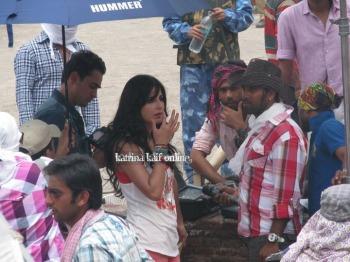 l3_Katrina_Kaif_and_Imran_Khan_shoot_for_Mere_Brother_Ki_Dulhan_at_Agra_Fort_28529