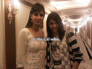 l1_Katrina_Kaif_at_vanity_van_during_Mere_Brother_Ki_Dulhan_Shooting