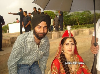 l3_Katrina_Kaif_shoot_for_Mere_Brother_Ki_Dulhan_at_Agra